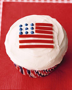 0306_kids_flagcupcake_l_2